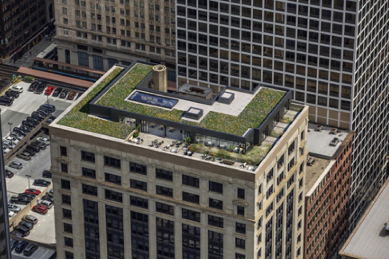 Rooftop Terrace at 226 W Jackson Boulevard. Image by Phoenix Development Partners