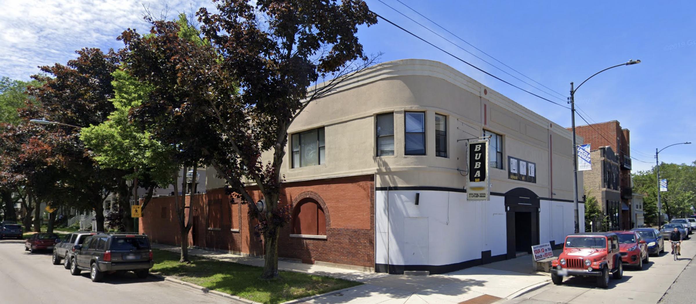 2402 W Carmen Avenue