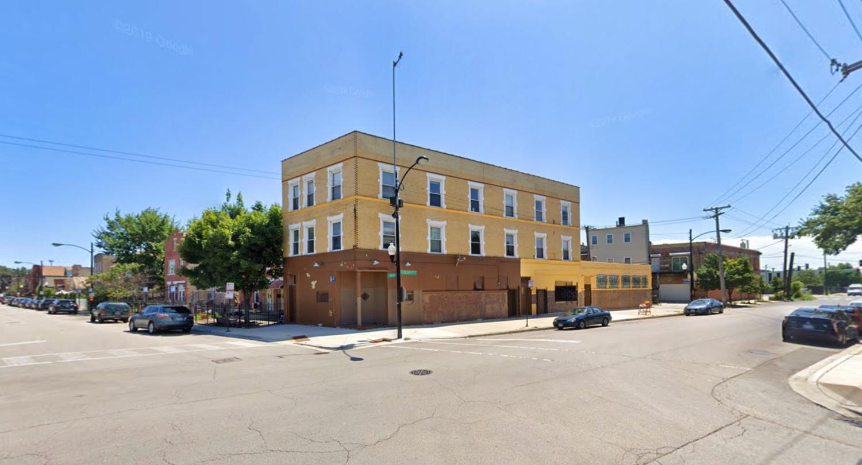 2435 S Leavitt Street