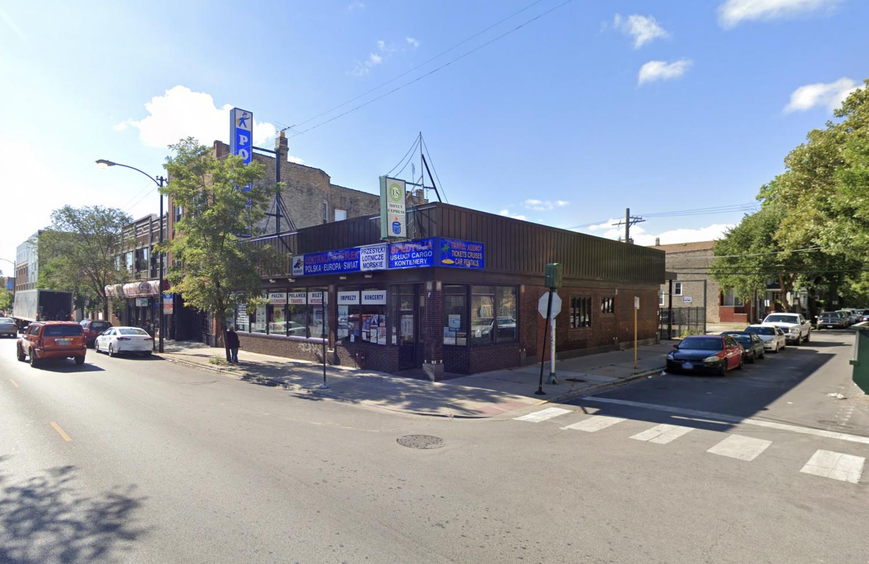 3087 N Avers Avenue