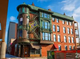 Former Schlitz Brewery-Tied House at 1393 W Lake Street. Image by CCL