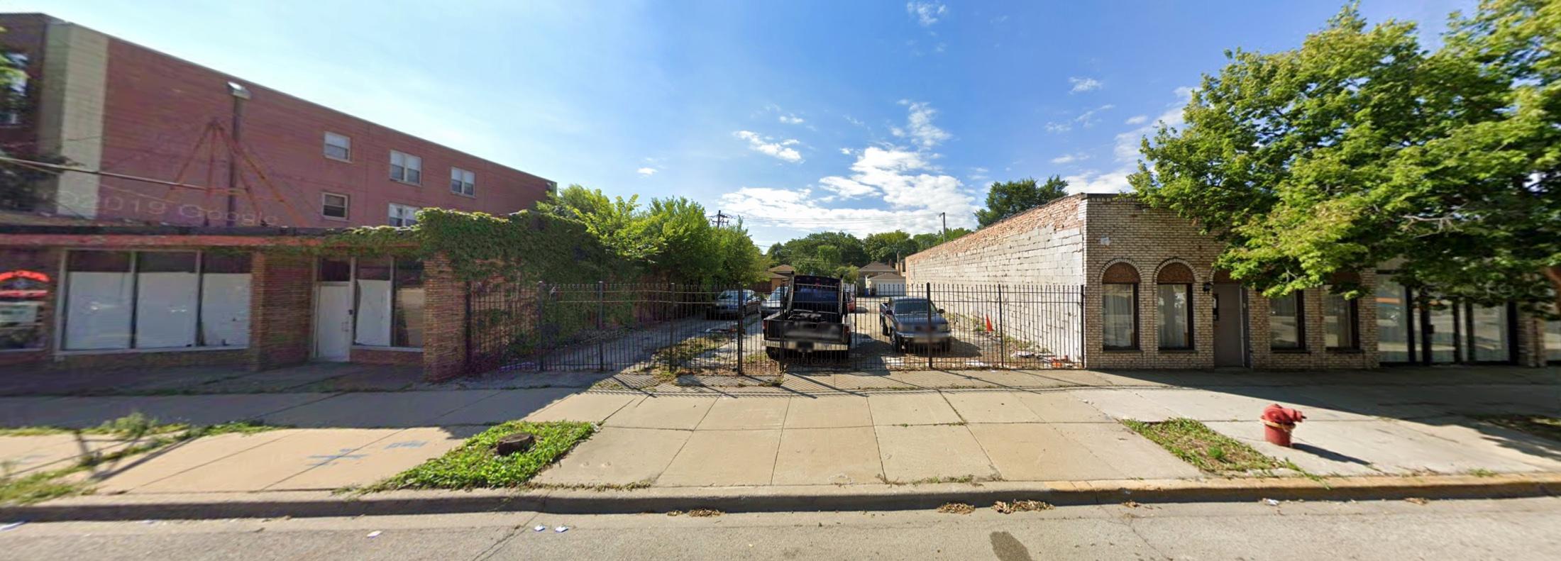 2825 W Howard Street